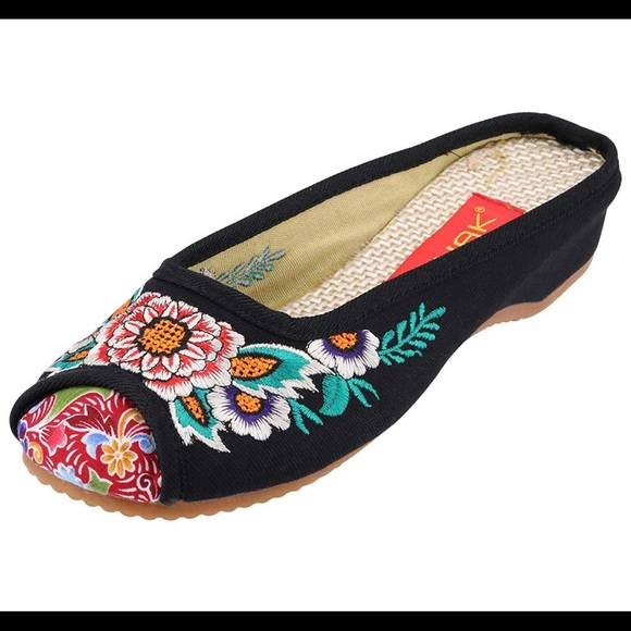 1bf395954 Embroidered Shoes - Mule, Flats, Slipper, Slip on. NWT. Cinak.  M_5d127aab969d1f147dad61e7. M_5d127c0fd948a12aeb77562c.  M_5d127ad1d948a18681774d97